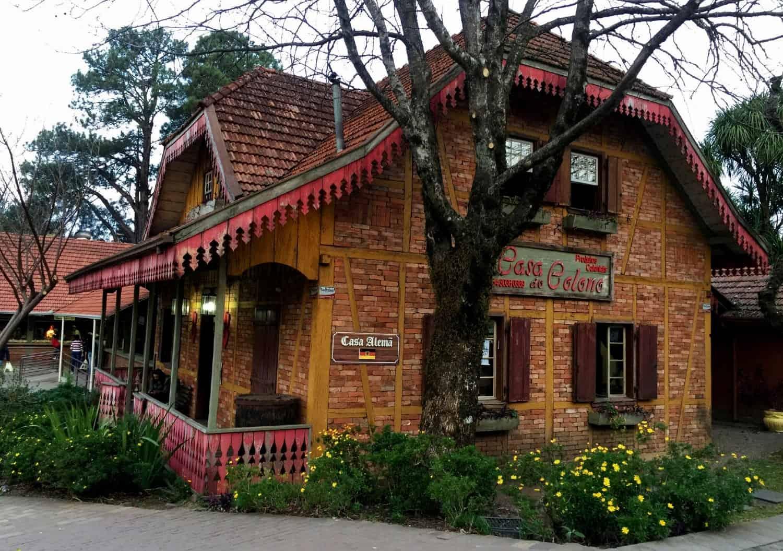 casa do colono gramado
