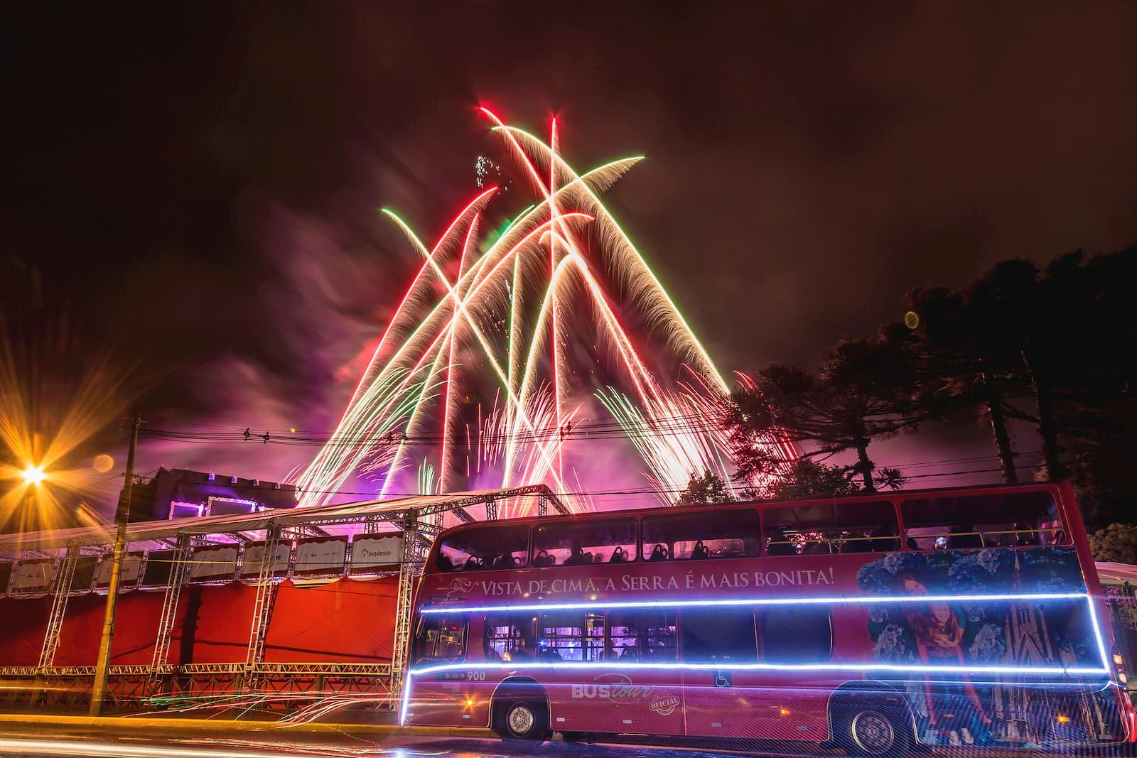 bus tour em meio ao illumination