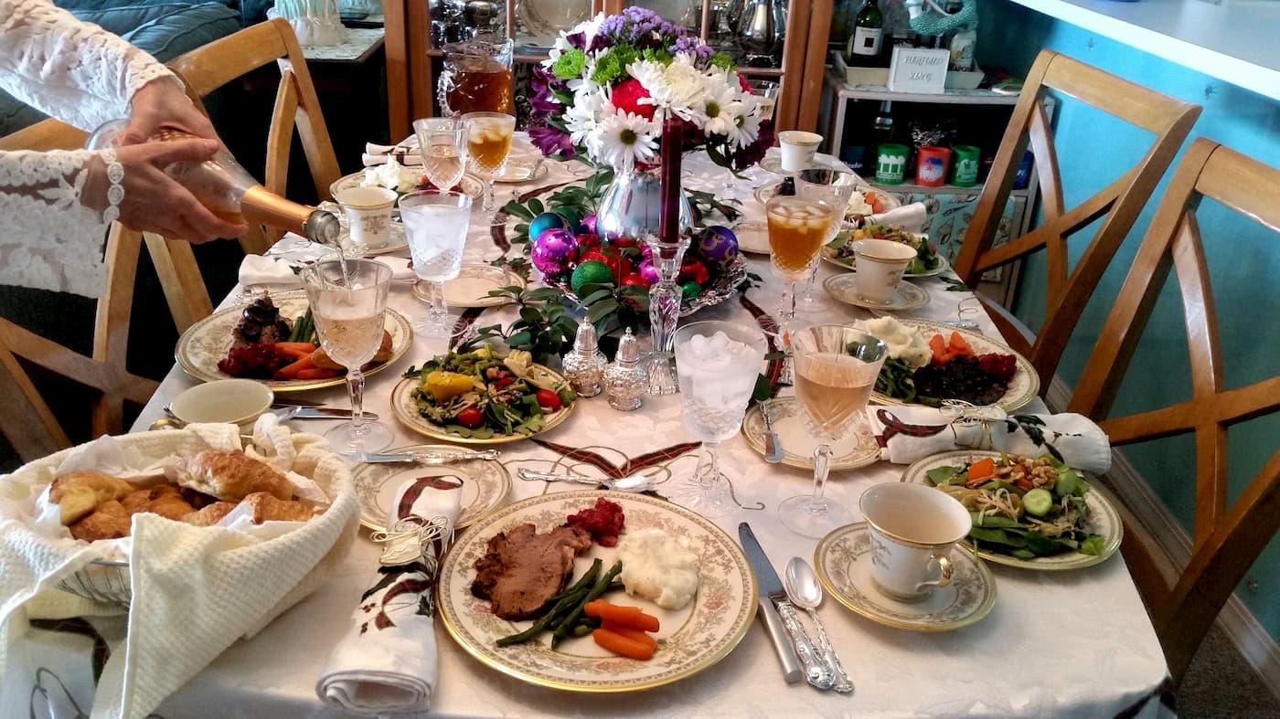 mesa preparada para o natal