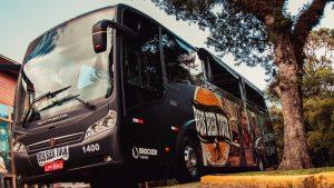 ônibus da cerveja gramado